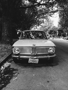 unmodernman:  BMW 2002 SE Portland