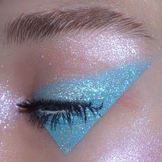 Gorgeous Makeup: Tips and Tricks With Eye Makeup and Eyeshadow – Makeup Design Ideas Eye Makeup Glitter, Makeup Fx, Cute Makeup, Pretty Makeup, Makeup Goals, Eyeshadow Makeup, Makeup Tips, Beauty Makeup, Makeup Ideas
