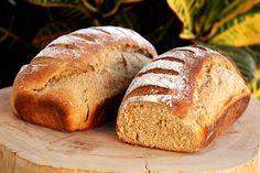 Aqui em casa os pães caseiros passaram a fazer parte dos nossos dias, há muito meses não compramos pães no supermercado. Tenho feito pão uma ou duas vezes por semana, acabo congelando uma parte para ter pão macio sempre. Esse...