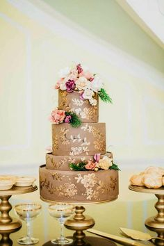 Photographer: Jordan Maunder // Cake Designer: Sky Is The Limit Custom Cakes