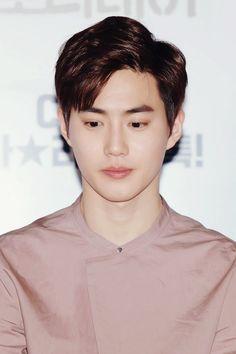 수호 / Suho - 김준면 / Kim JunMyeon EXO   Baekhyun   Chanyeol   Chen   D.O   Kai   Sehun   Lay   Xiumin   Luhan   Kris   Tao