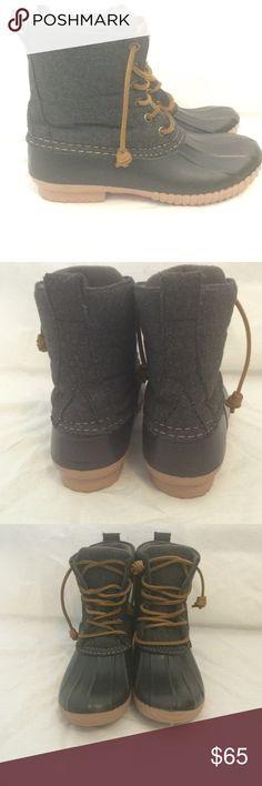 Steve Madden Duck Boots Gray and black duck boots. Never worn! Steve Madden Shoes Winter & Rain Boots