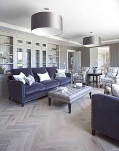 Fast, Easy, Cheap: Living Room Remodeling Ideas - Room Design Made Easy Living Room Grey, Small Living Rooms, Living Room Sofa, Home Living Room, Living Room Designs, Living Room Decor, Living Area, Living Walls, Living Spaces