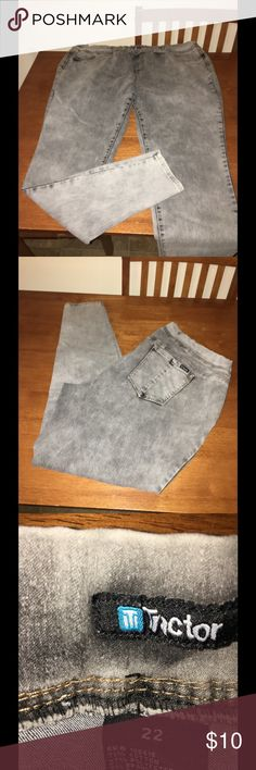 Tractr Acid Wash Jeggings Size 22 Grey acid wash denim Jeggings. Skinny fit.  Pull on waist style.  From Tractr.  Size 22.   Good condition!   Important:   All items are freshly laundered as applicable prior to shipping (new items and shoes excluded).  Not all my items are from pet/smoke free homes.  Price is reduced to reflect this!   Thank you for looking! Tractr Jeans Skinny