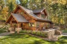 Home Decor Rustikale Veranda Design-Ideen # Design # Ideen # rustikal Most of us simply don't Rustic Houses Exterior, Cottage Exterior, Exterior Shutters, Wood Shutters, Wood Siding, Home Exterior Design, Log Homes Exterior, Stucco Exterior, Design Rustique