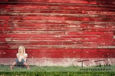 LOVE old red barns