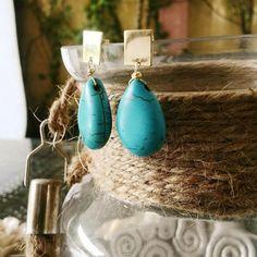 Happy Weekend Everyone!!! Nada mejor que un par de aretes en turquesa natural para hacer de tu fin de semana algo lleno de estilo.  La nueva kollektion te va a encantar... Fotografía : @klebersoriano  C'est magnifique est #kk #fashion #moda #natural #gemstone #turqoise #earrings #bijoux #bisuteria #jewel #jewelry #publicidad #ads #designer #design #emprendedor #Guayaquil #Ecuador #BlackBerry #photography #handmade #estilo #style #accesorios #accessories #magnifique #marketing #art…