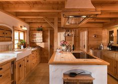 Blockhaus bauen / Tiroler Blockhaus / Blockhausbau Building a log cabin / Tyrolean log cabin / log cabin construction How To Build A Log Cabin, Small Log Cabin, Log Cabin Homes, Dream Master Bedroom, Wooden Projects, Rustic Bathrooms, Small House Plans, Rustic Kitchen, Building A House
