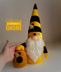 Textile toy figure Gnome decorates home decor Mother Christmas Gifts, Christmas Gnome, Christmas Crafts, Leprechaun, Gnome Hat, Scandinavian Gnomes, Textured Yarn, Bee Crafts, Soft Dolls
