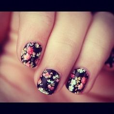 Feminine Florals  ...wish I had nails.. :/