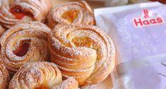 Vă prezentăm un desert super delicios, pregătit într-un mod mai puțin obișnuit. Fiindinventate în SUA, aceste brioșe ne amintesc de faimoasele croissant-e, doar că se gătesc diferit.Aromate, apetisante cu crustă crocantă și mijloc moale, acestea cu siguranță vor cuceri inimile tuturor.  Echipa Bucătarul.tv vă dorește poftă bună alături de cei dragi! 1 Autor text: … Baking Soda Teeth, Baking Soda On Carpet, Ukrainian Recipes, Russian Recipes, Baking Recipes For Kids, Cooking Recipes, No Bake Desserts, Dessert Recipes, Sweet Pastries