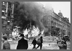 the destruction of a grand city, budapest during WW II. Courageous People, Cities In Europe, Budapest Hungary, Eastern Europe, Capital City, World War Two, Vintage Photography, Old Photos, Revolution