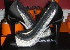 Chanel Escarpins Black White Lace Ruffles Classic 2 Tone Pump