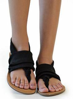 Ziggy Sandals in Black
