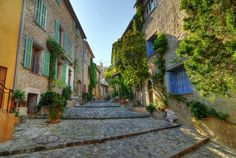 Picturesque Alley in Spain Provence France, Paris France, Abu Dhabi, Life Is Beautiful, Beautiful Places, Cagnes Sur Mer, Miles To Go, Ferrat, Travel Checklist