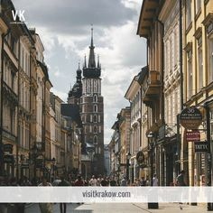 Make the most of your trip to Kraków with our list of Kraków hotels, a rundown of the best places to eat in Kraków and our overview of essential attractions in Kraków Visit Krakow, Best Places To Eat, Luxury Life, Big Ben, Travel Guide, The Good Place, Tourism, Street View, Explore