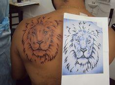 Tatuagem / Leão / Tribal / Costas / Tattoo / Lion / Back #studio900 #crismaia Selfish, Tatoo, Lion, Tribal Lion, Back Tattoo, Tattoos Pics, Insects, Legs, Animales