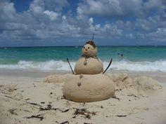 Sand-Schneemann in der Dominikanischen Republik Bahia, Dominican Republic, World