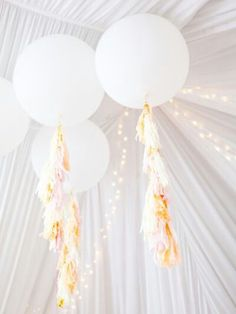 Ribbon And Tulle Tels Giant Balloons White Wedding