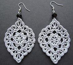 Best Ideas for crochet lace earrings beads Crochet Jewelry Patterns, Crochet Earrings Pattern, Crochet Bracelet, Crochet Accessories, Crochet Motif, Crochet Designs, Crochet Flowers, Crochet Jewellery, Lace Jewelry