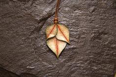 Mira este artículo en mi tienda de Etsy: https://www.etsy.com/listing/263210785/leaves-necklace-natural-style-easy-look