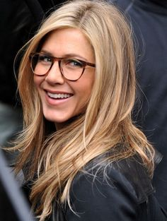 Ok, I am a confessed Friends addict, and I love Jennifer Aniston! I think she gets more beautiful as she gets older!