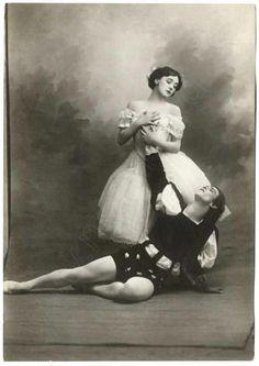 Tamara Karsavina & Vaslav Nijinsky in Giselle, 1910.