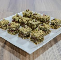 Lovely South African recipe for Dark Chocolate Lamingtons with matcha powder Ingredients Sponge cake: 68 ml Oil 125 ml Milk 5 ea. Eggs (Large) 375 ml White Sugar 560 ml Flour 10 ml Baking Powder 4 ml Salt 7,5 ml Vanilla Essence 60 ml Matcha Powder 1 ea. Non Stick Spray Syrup: 300 ml Boiling …
