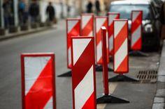 road traffic works safety pole post obstacle detour sign barrier