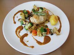 Gino D'Aquino / Poulet rotì au four et legumes le jus avec basilique et tomate de poulet Gino D'Aquino