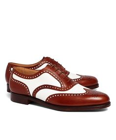 Leather two tone wingtip Shoes custom made leather shoes for men leather. Boat Shoes, Men's Shoes, Dress Shoes, White Oxford Shoes, Derby, Spectator Shoes, Wingtip Shoes, Men's Oxfords, Great Gatsby Fashion
