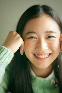 aoi yu by shibata fumiko Portrait Inspiration, Character Inspiration, My Beauty, Asian Beauty, Japanese Beauty, Pretty People, Beautiful People, 3 4 Face, Japanese Photography