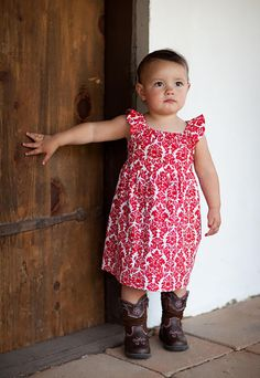Girl's Dress Pattern, TATUM DRESS PDF Sewing Pattern & Tutorial, This sweet little dress is perfect for springtime! Pattern has no zippers, buttons or hand work. Pattern pieces are included for bodice and sleeves. Measurements given for simple rectangle skirt and ties.
