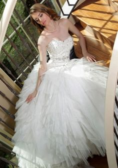 Princess Ball Gown Sweetheart Chapel Train in Tulle Wedding Dress