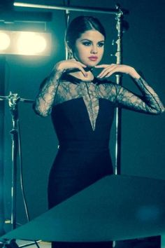 Selena-Gomez-in-Nicole-by-Opi-Photoshoot-2013--09-460x690.jpg (460×690)