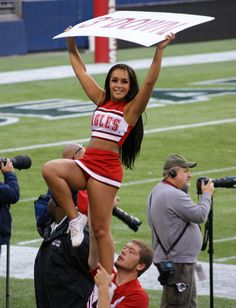 College Cheerleading, Cheerleading Pictures, Cheerleading Uniforms, Cheer Uniforms, Black Cheerleaders, Football Cheerleaders, American Athletic Conference, Cute Cheer Pictures, Cheer Poses
