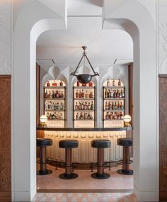 If you want me I'll be at the bar. Specifically this one at @the_berkeley, where designers @bosstudio have done an incredible job – I particularly love the Art Deco mouldings around the architraves.