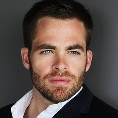Chris Pine joins the cast of Stretch