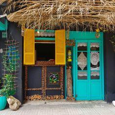 "Nora Lao on Instagram: ""#bourjhammoud #beirut_lebanon #beirutlovers #lebanonoldhouses #lebanonpictures #lebanonphoto #livelovebourjhammoud #lebanontourism #window…"" Lebanon Tourism, Beirut Lebanon, Mixed Emotions, Old Houses, Laos, Window, Inspiration, Instagram, Biblical Inspiration"