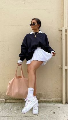 Indie Outfits, Teen Fashion Outfits, Cute Casual Outfits, Retro Outfits, Vintage Outfits, Modest Fashion, Skater Girl Outfits, Woman Outfits, Sporty Outfits