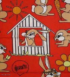 Retroa pupukangasta sellaisenaan tai siitä tehtynä esim. lasten takki, liivi, lastenhuoneen verhot, koristetyyny, pussilakana)