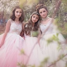 Bet you didn't know that my girls are really fairies, right? I ❤️ this shot! {If you ever want to see magic ✨ on film like this, you HAVE to follow @frostedproductions here on IG! So much storytelling in one shot!} #DisneySMMC Dresses by @elladynae. Choker by @linsofandi