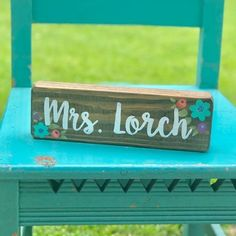 @lillouhandmade posted to Instagram: This sign was a custom request and I LOVE how it turned out!  Did you know that in my shop you can make custom requests for just about any sign at no extra charge?  Each sign is painted to order so if you want different colors, just ask!  .Also, I think the color scheme for this teacher desk sign goes great with my thrifted chair!  Can you believe I scored the chair for $7 from @americasthrift and it was already painted my favorite color!?!  Do you like to th My Score, Teacher Signs, Favorite Color, Different Colors, Thrifting, Color Schemes, I Shop, Desk, Chair