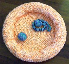 Dog/Kittie Bed  Small by craftyjane on Etsy