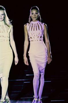 Versace Fall 1992 Ready-to-Wear Fashion Show - Carla Bruni