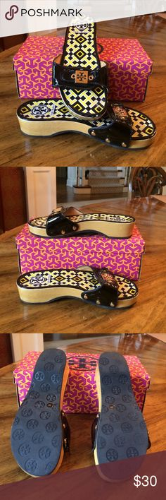 Black Tory burch sandal Black Tory burch sandal size 8 Tory Burch Shoes Sandals