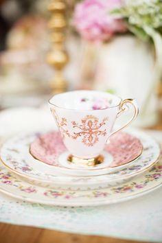 queenbee1924: pretty tea cup in bokeh | Photography Phetish | Pinterest)