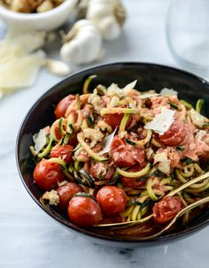 zucchini noodles with garlic tomato cream sauce + breadcrumbs I howsweeteats.com