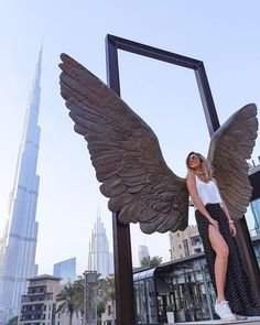Best Places In Dubai, Best Places To Travel, Dubai Vacation, Dubai Travel, Photography Poses, Travel Photography, Travel Pose, Dubai Holidays, Visit Dubai
