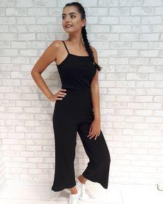 Askılı Siyah Penye Tulum:27,99TL  SİPARİŞ VERMEK IÇIN : DM 📲 WHATSAPP 📱0530 286 1968 TÜRKİYENİN HER İLİNE KAPIDA ÖDEMELI KARGO GÖNDERİYORUZ. 📦  #caprazseritlibluz #cizgilipantolon #sort #tişört #pantalon #elbise #moda#fashion #sezbutik #morhipo #trendyol#boyner #beymen #mezuniyet #balo#fotograf #mağaza #yazlikgiyim #trend#hava #güneş #istanbul #manzara #izmir#antalya #bodrum #kadikoy #bahariye#istanbul #butik #onlinealisveris
